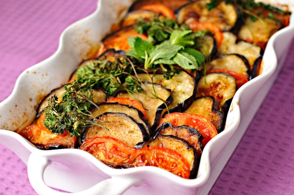 auberginen zubereiten gratin tomaten