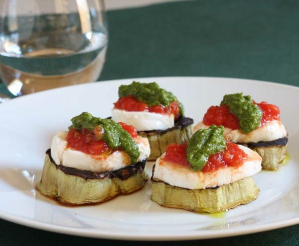 auberginen zubereiten häppchen mozzarella pesto