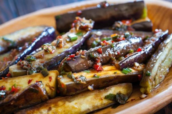 auberginen zubereiten knoblauchsoße