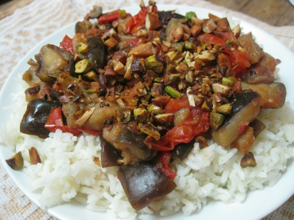auberginen zubereiten mediterran nüsssen