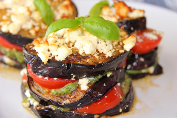 auberginen zubereiten schichten tomaten basilikum
