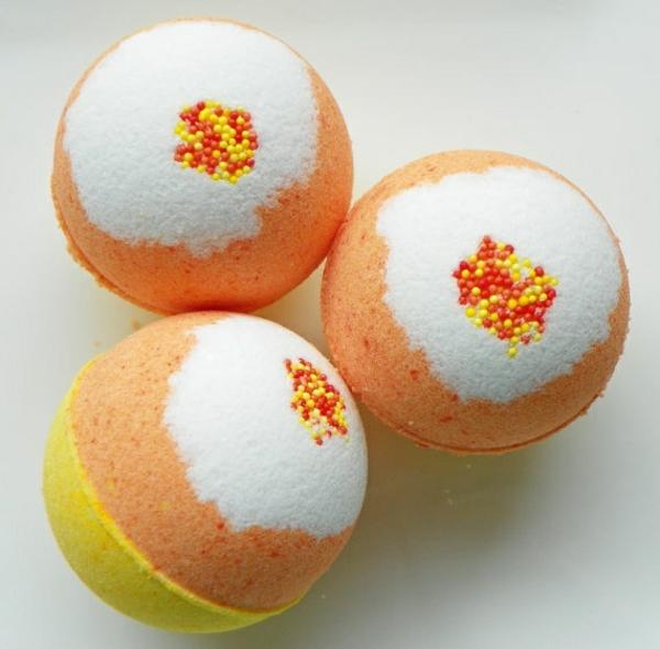 badesalz selber machen kugel orange gelb weiß