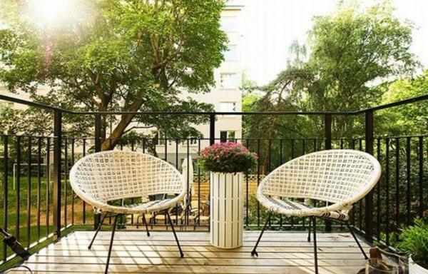 balkongestaltung wissenswertes und praktische tipps. Black Bedroom Furniture Sets. Home Design Ideas