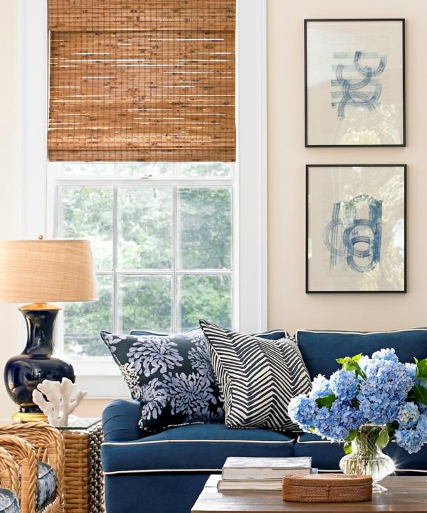 bambusrollo eng aufgerollt marineblaue couch