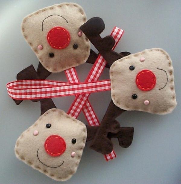 bastelideen weihnachten adventskranz basteln filz hirsche