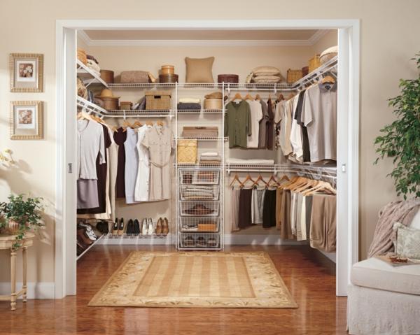 Offener kleiderschrank stange  Begehbarer Kleiderschrank - wie Sie die perfekte Ordnung schaffen