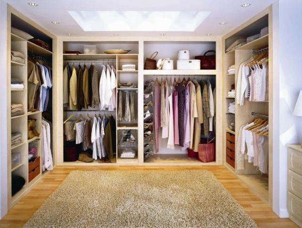 begehbearer kleiderschrank hochflor teppich einbauleuchten