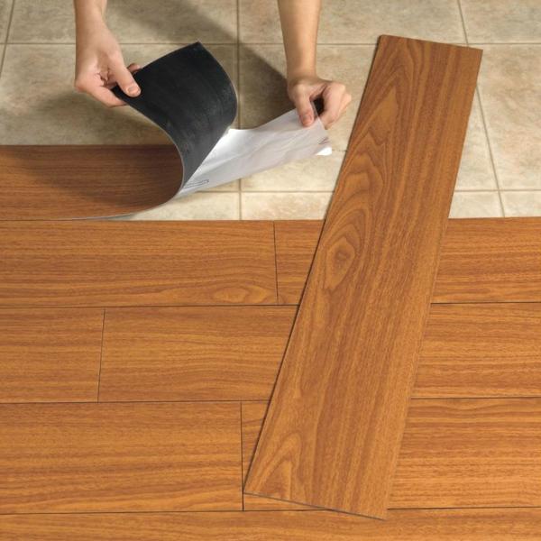 Linoleum bodenbelag  Bodenfliesen in Holzoptik verlegen - welche sind die Vorteile?