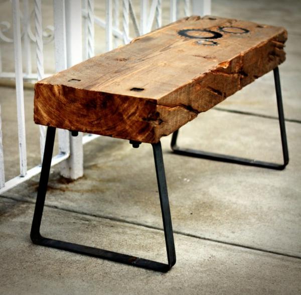 couchtisch massivholz holzplatte metallbeine massivholzmöbel