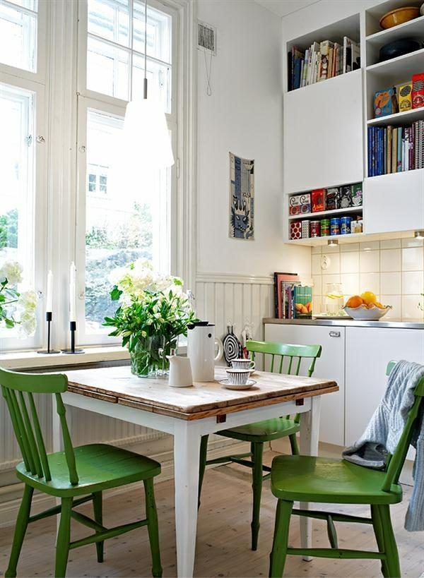 echtholzmöbel esszimmer einrichten esstisch rustikal grüne stühle