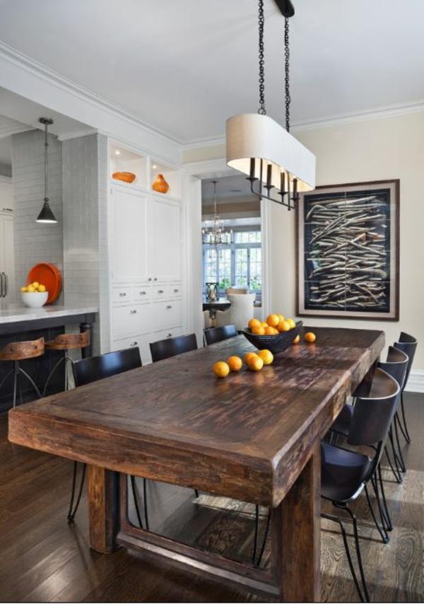 Holztisch rustikal  Esstisch rustikal und dessen Platz im ländlichen Esszimmer