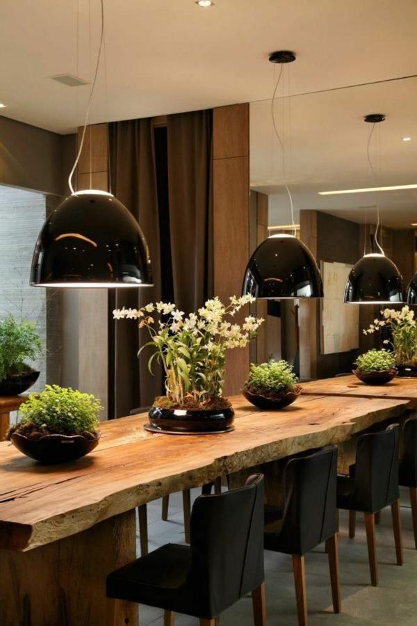 Holztisch modern  Esstisch rustikal und dessen Platz im ländlichen Esszimmer