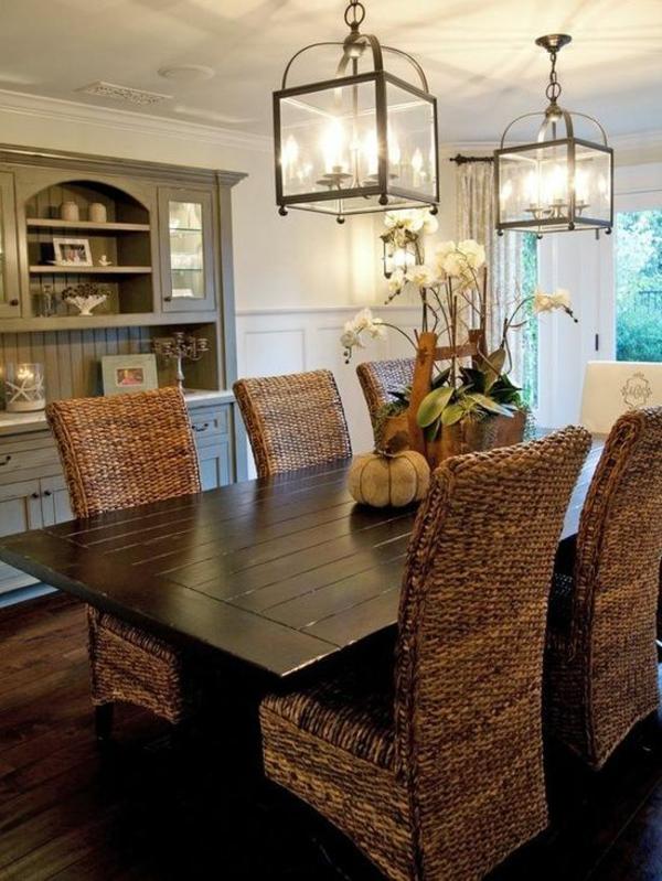 esszimmer lampen traditionell pendelleuchten rattanmöbel stühle