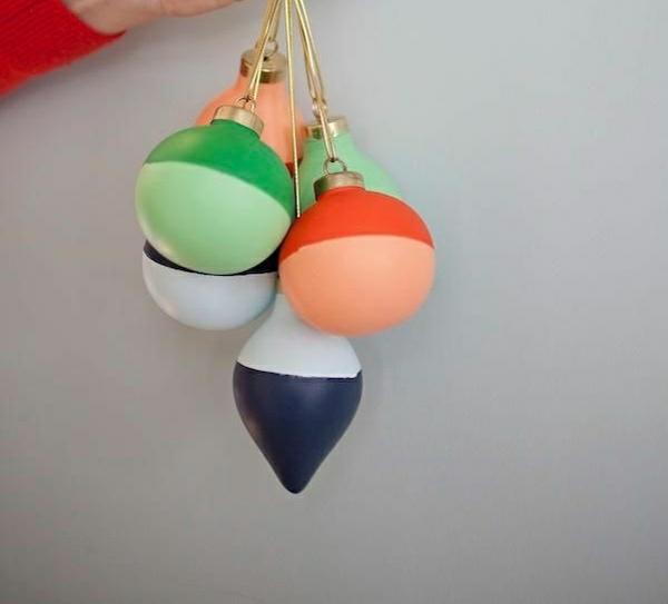 farbige weihnachtskugeln weihnachtsbastelideen weihnachtsdekoration basteln