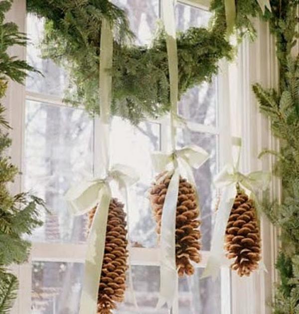 fensterdeko weihnachten tannenzapfen kreative weihnachtsdeko fenster