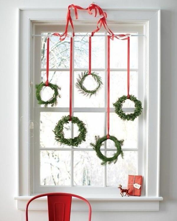fensterdeko weihnachten weihnachtskranz basteln weihnachts fensterdeko