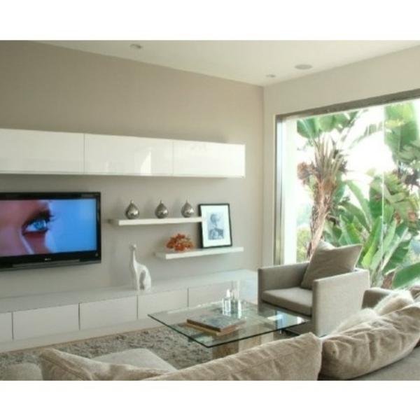 wie integrieren wir die fernsehschr nke in unsere ausstattung. Black Bedroom Furniture Sets. Home Design Ideas