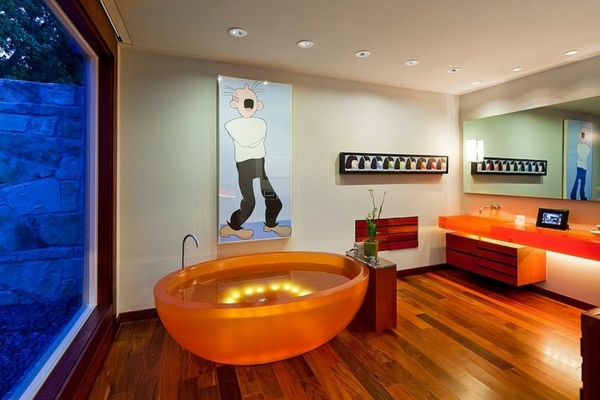 freistehende badewanne orange unterwasserlicht