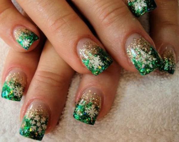 gel nagel muster grün schneekristalle