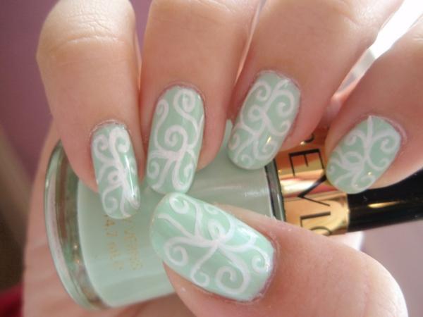 gel nagel muster ranken weiß seladongrün