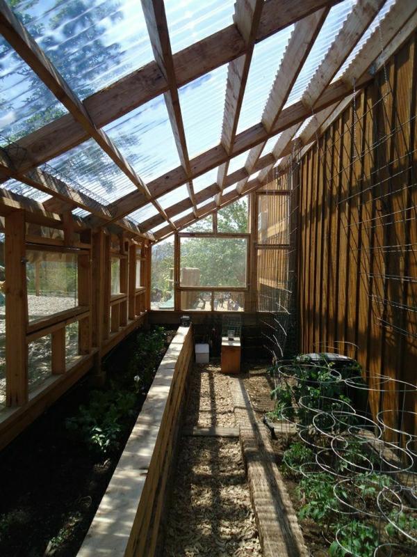 gemüse wintergarten gestalten holz konstruktion glas überdachung