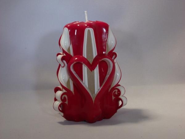 geschnitzte kerzen machen deko mit kerzen zum valentinstag