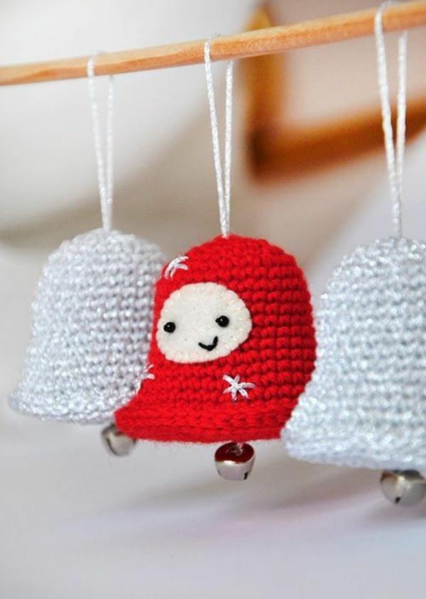 gestrickte bastelideen weihnachten deko glöcken