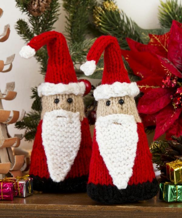 gestrickte bastelideen weihnachten deko weihnachtsmännchen