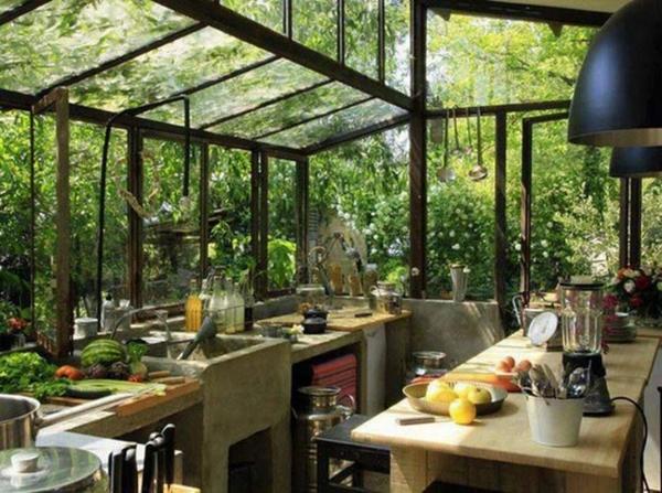 glas wintergarten gestalten holzmöbel tisch spüle