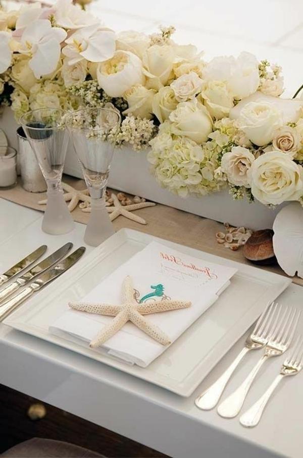 hochzeitstisch deko weiße rosen seesterne