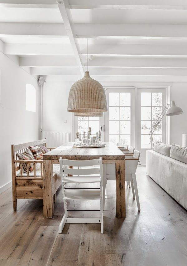 holzmöbel esszimmer landhausstil esstisch rustikal echtholz holzboden