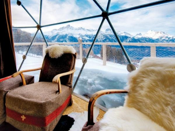 ökohotel iglu alpen sessel schafsfell