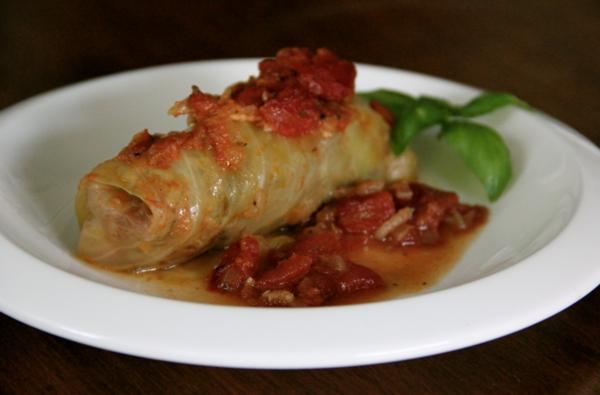 kohl rouladen basilikum tomatensoße