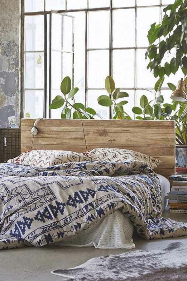 kuhfell teppich schlafzimmer bettvorleger bettwäsche zimmerpflanzen