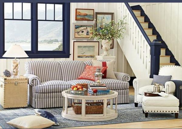 landhaus möbel wohnzimmer gesrteifte couch