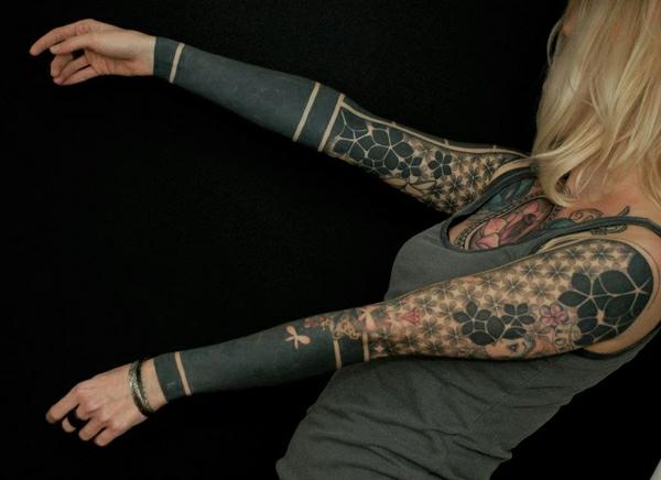 männer tattoos frauen vorlagen motive ärmel