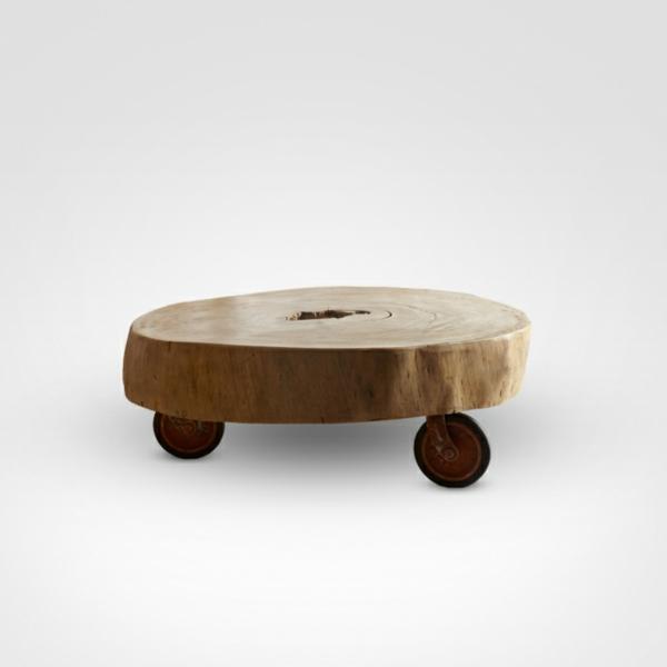 massivholz Couchtische aus Baumstamm rollen