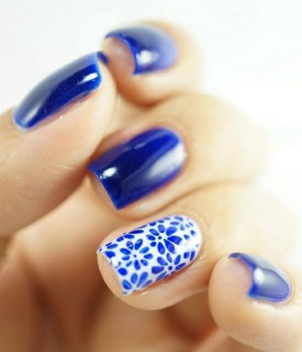 nageldesigns galerie nail art blau blumenmuster