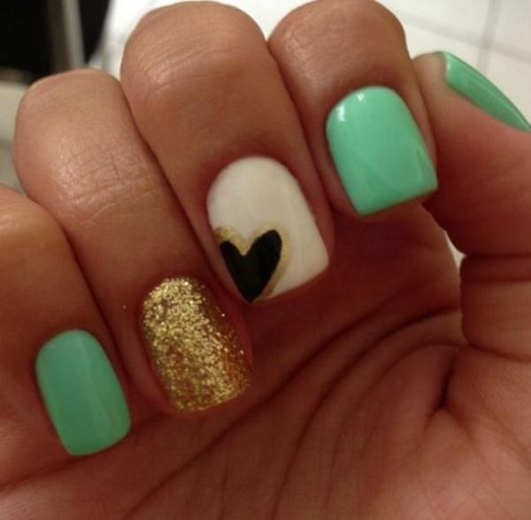 nagel design galerie nail art grün gold herzen