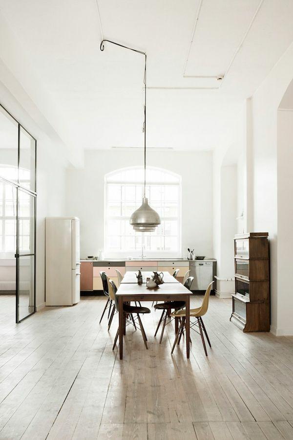 pendelleuchten esszimmer landhausstil rustukaler esstisch echtholz