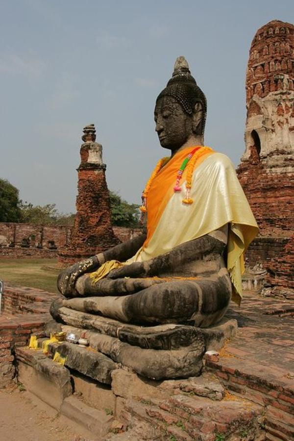 reise nach thailand rundreise Ayutthaya buddhastatue