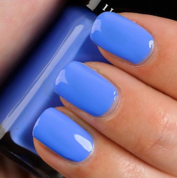 richtig nägel lackieren blau nagellack design