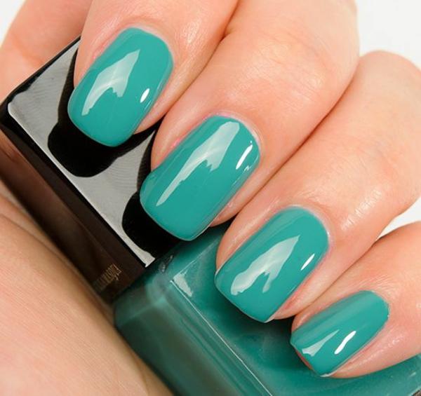 richtig nägel lackieren türkis nagellack design