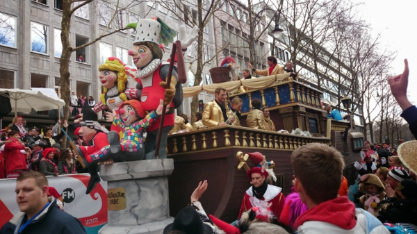 rosen montag 2015 karneval zug