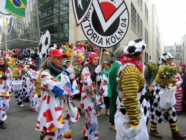 rosen montag 2015 kostüme flaggen