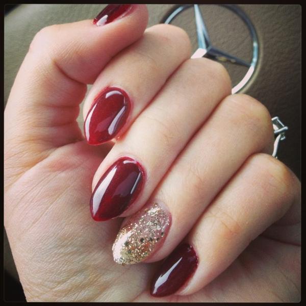 rote Gelnägel zu Weihnachten fingernägel bilder glitzern