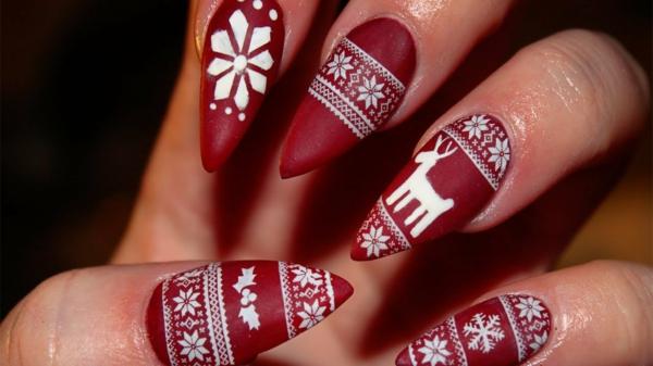 rote Gelnägel zu Weihnachten rote fingernägel bilder matt