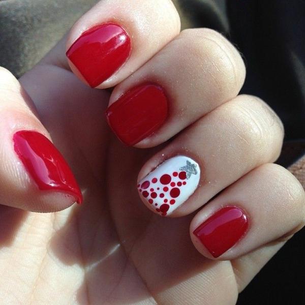 rote Gelnägel Weihnachten rote fingernägel lackiert christbaum