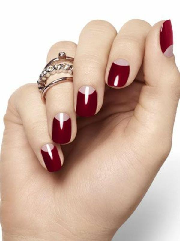 rote Gelnägel zu Weihnachten rote fingernägel lackiert klassisch