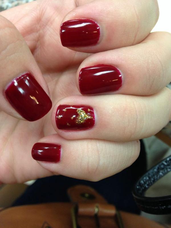 rote Gelnägel zu Weihnachten rote fingernägel motive  gold herz